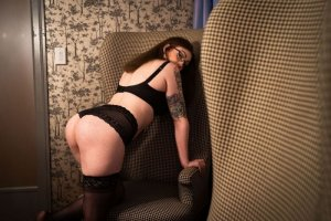 Chadlia nuru massage in Selma CA